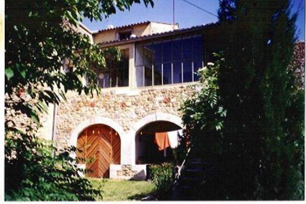 le pin - maison bohémienne village à Le Pin - Image 1