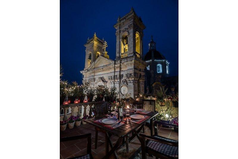 Nächtlicher Blick auf die Kathedrale