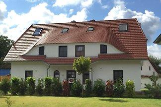 2 baugleiche/ spiegelverkehrte 3-Zi-Ferienwohnungen auf einer Ebene in einem 3-Familien-Haus, die sich auch perfekt zur Anmietung im