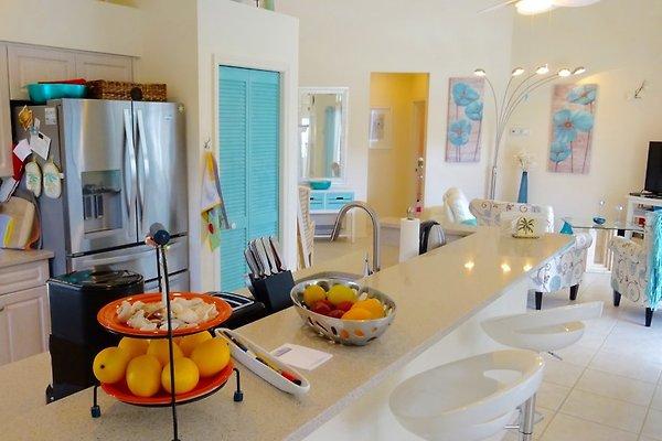 villa escape to paradise in naples ferienhaus in mieten. Black Bedroom Furniture Sets. Home Design Ideas
