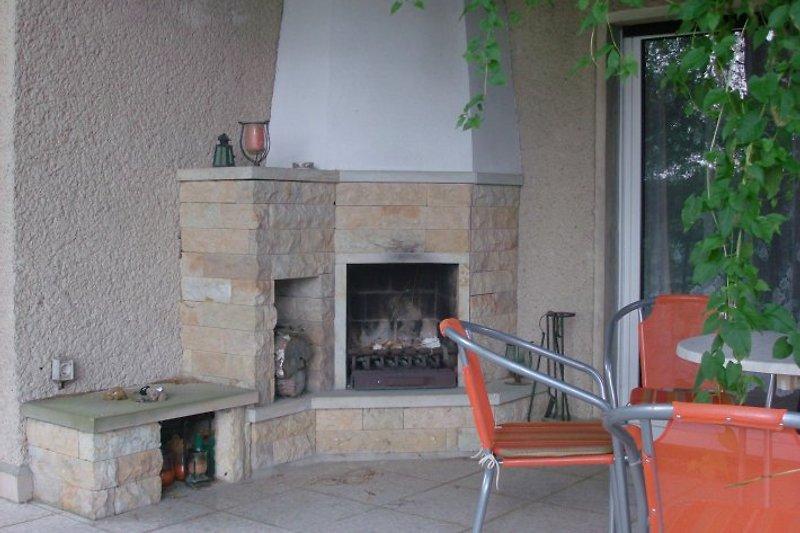 Terrasse mit Aussenkaminin
