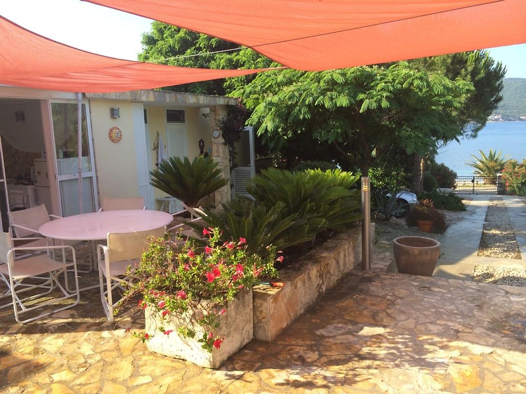 Die Kleine Sommerküche Am Meer Fortsetzung : Insel Čiovo schönes familienhaus in der nähe vom meer zum verkauf