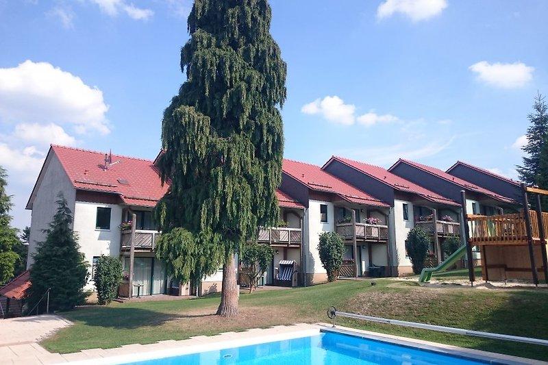 Haus, Garten und Pool