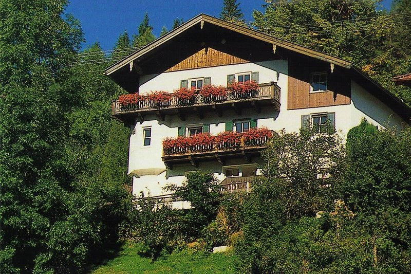 Ferienwohnungen Haus Lindenruh, Mittenwald