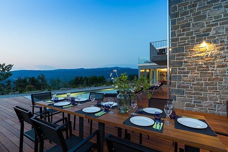 Villa Akazija, Poolterrasse, Sommerküche