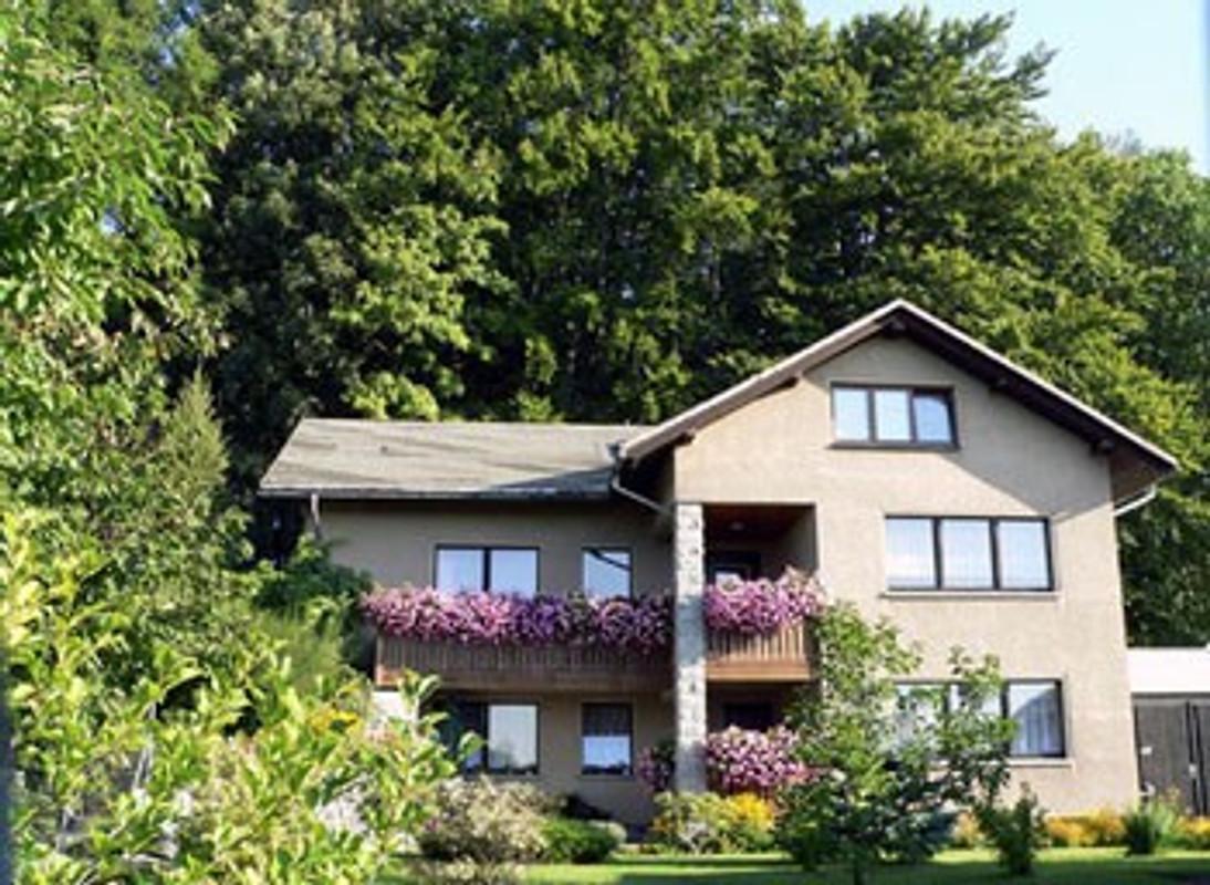 ferienhaus u fewo lauscheblick ferienwohnung in leutersdorf mieten. Black Bedroom Furniture Sets. Home Design Ideas