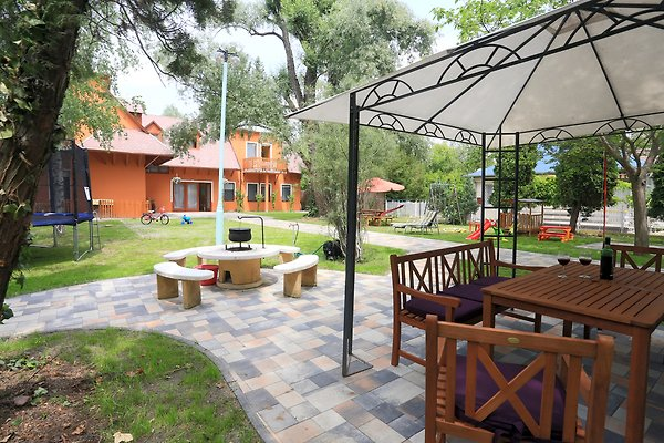 Holiday House Apartments à Siofok - Image 1
