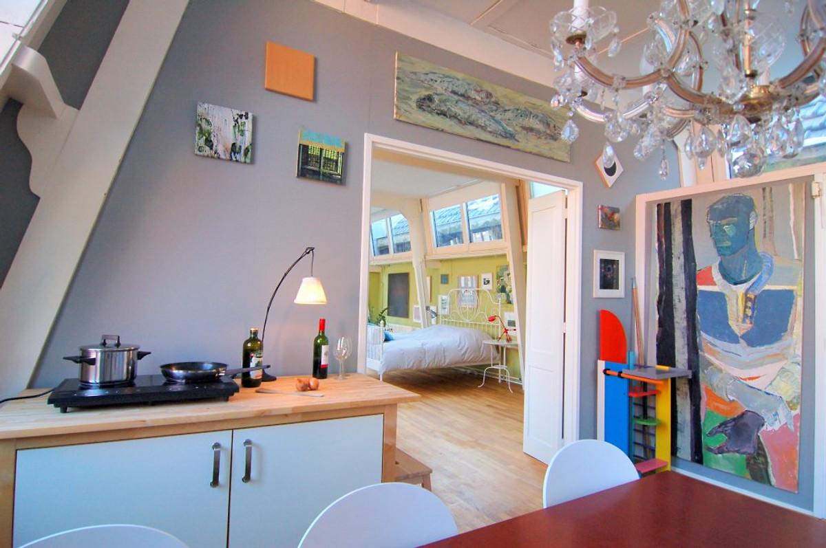 Loft westeinde apartament w den haag for Loft interieur den haag