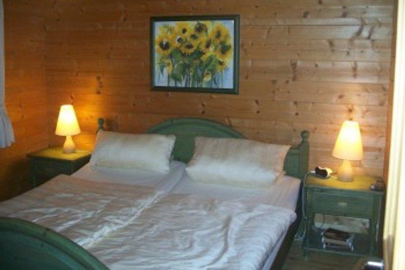 1.Schlafzimmer (nicht im Bild Kinderzimmer mit 3 Schlafgelegenheiten