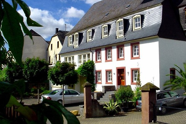 Ferienhaus Alt Müstert mit 3 separaten Ferienwohnungen