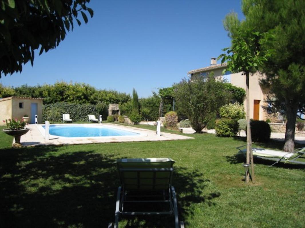 Cabri res d 39 avignon pool blick maison de vacances for Linge de maison avignon