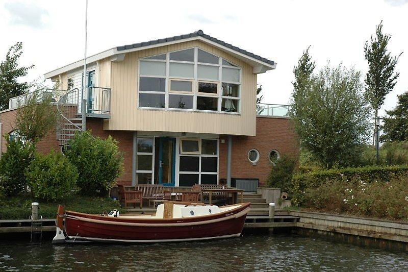 Villa Lisdodde am Wasser