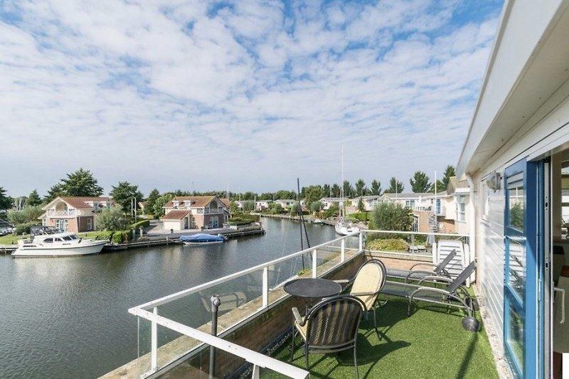 Wunderschönes Aussicht auf das Wasser/Marina Park