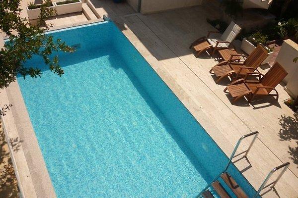 Tolles Ferienhaus mit Pool - Trogir in Seget Vranjica - Bild 1