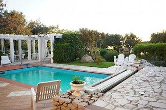 Grande piscina casa al mare