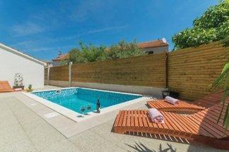 Pool house Pakostane (3548)