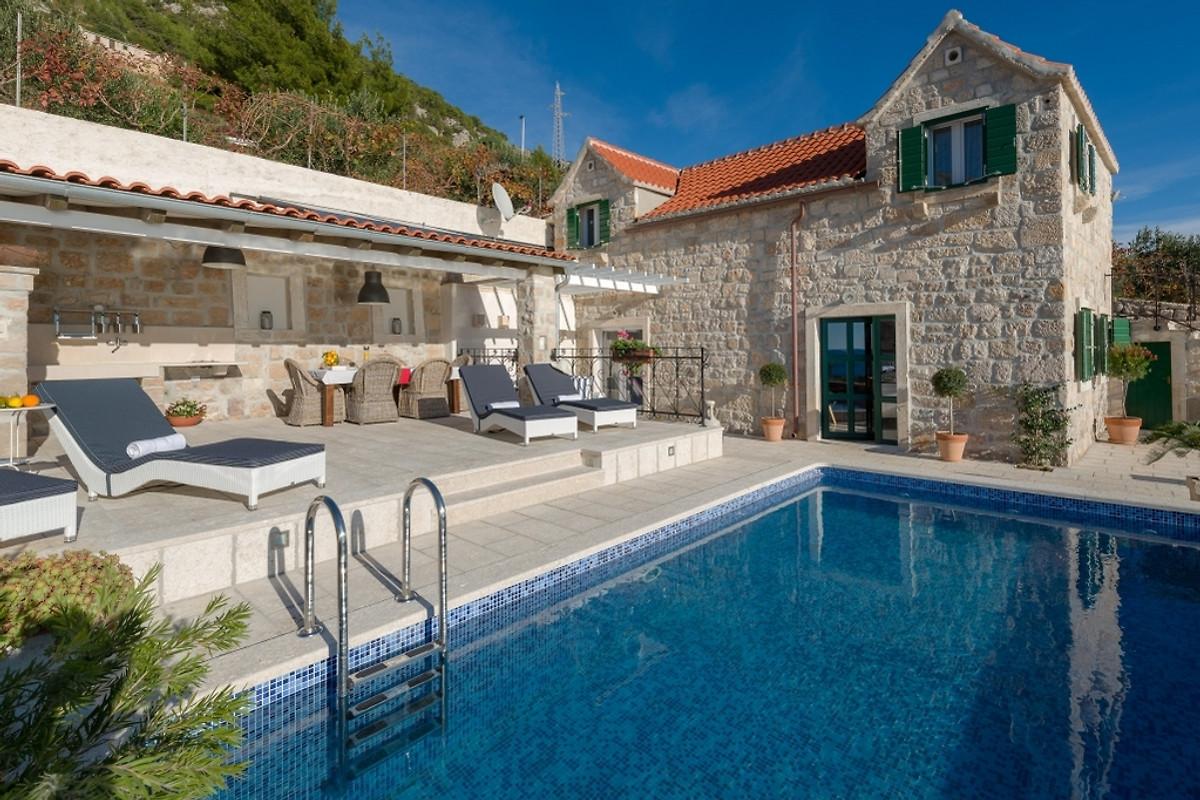 Poolhaus murvica 3756 ferienhaus in bol mieten for Casas en ele modernas