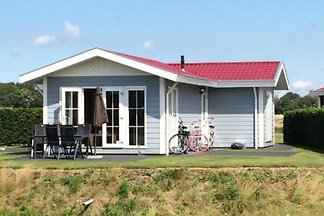 Detached 4 person holiday cottage on holiday park in Arnemuiden.