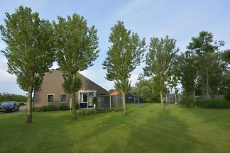 Luxurious 4-person holiday home with dune view and big garden in Zoutelande, Walcheren.