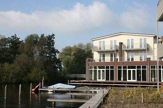 UT002 - Ferienhaus im Vinkeveen