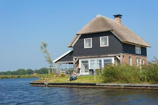 OV083 - Holiday home in Giethoorn