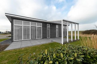 ZE695 - Holiday home in Wemeldinge