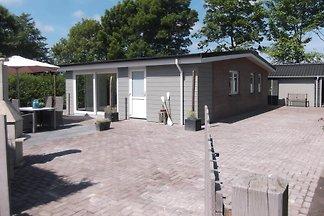 ZE663 - Ferienhaus im Kamperland