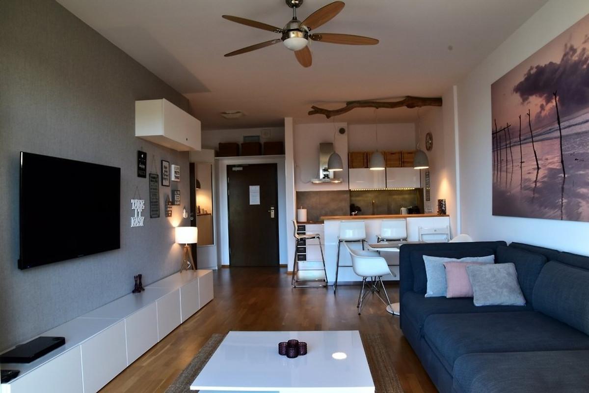 privates appartement mit meerblick ferienwohnung in kolberg mieten. Black Bedroom Furniture Sets. Home Design Ideas