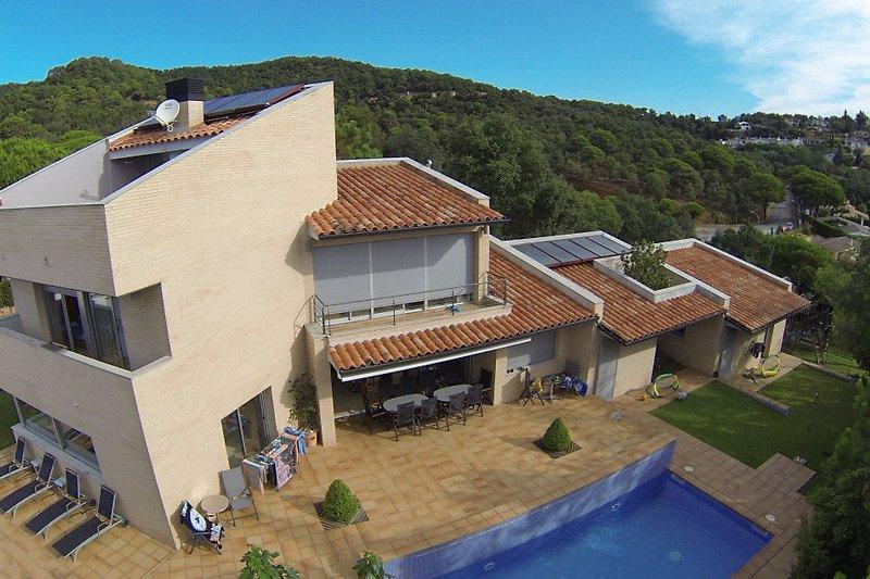Modern villa complex