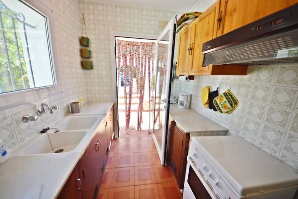 villa malika ferienhaus in l 39 escala mieten. Black Bedroom Furniture Sets. Home Design Ideas
