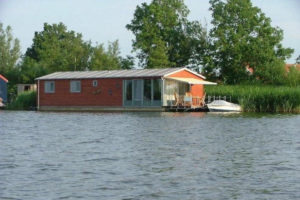 Barge Oudega, Friesland à Sneek - Image 1