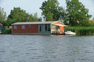 Barcaza Oudega, Friesland