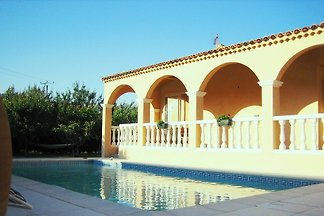 Holiday rental Provence with pool, Lubéron, Alpilles