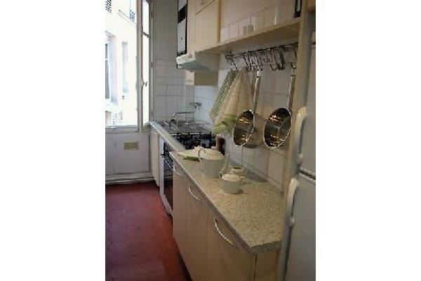 2 BD Central Paris Apartment in Paris - Bild 1