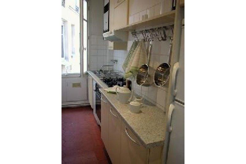 2 BD Central Paris Apartment à Paris - Image 2