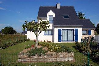 Neues Haus in einer ruhigen, ideal für einen erholsamen Urlaub. Haus sehr komfortabel, mit 4 Zimmer mit Garten