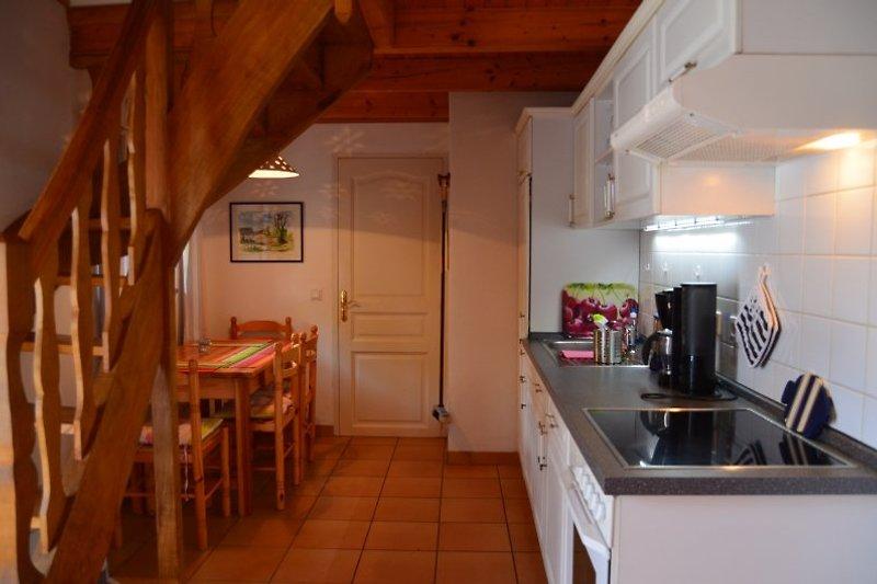 Küche m. Eßplatz