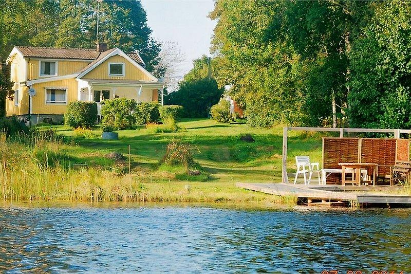 Villa mit eigenem Seeufergrundstück