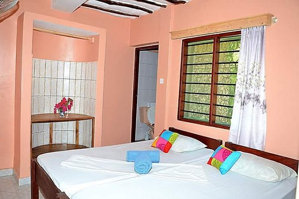 Diani Campsite & Cottages in Diani Beach - immagine 1