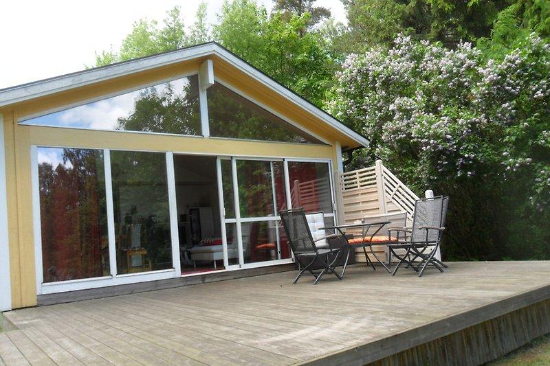 Haus Mio mit Holzterrasse