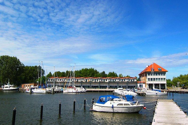 Hafen mit Blick auf die Ferienwohnung