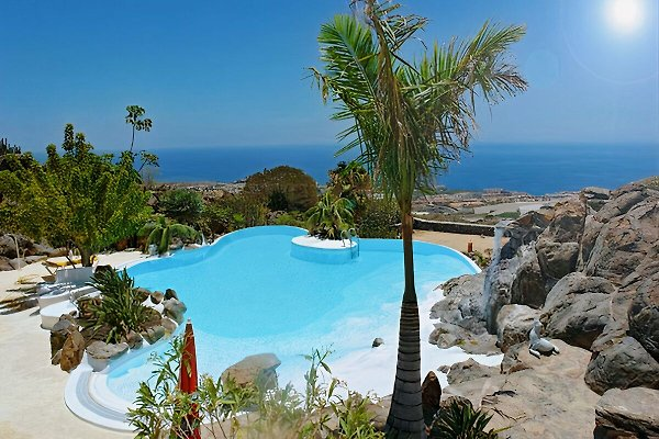 Blick auf den wunderschönen Pool- Ferienhaus Salvatore