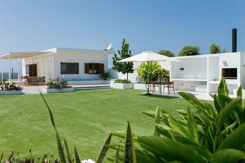 Villa Ines in Playa San Juan