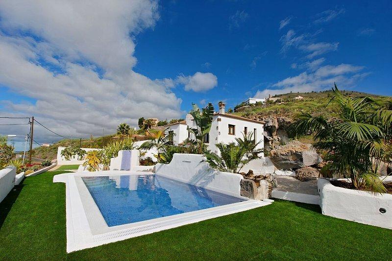 Der Pool des Ferienhauses Casa Tata