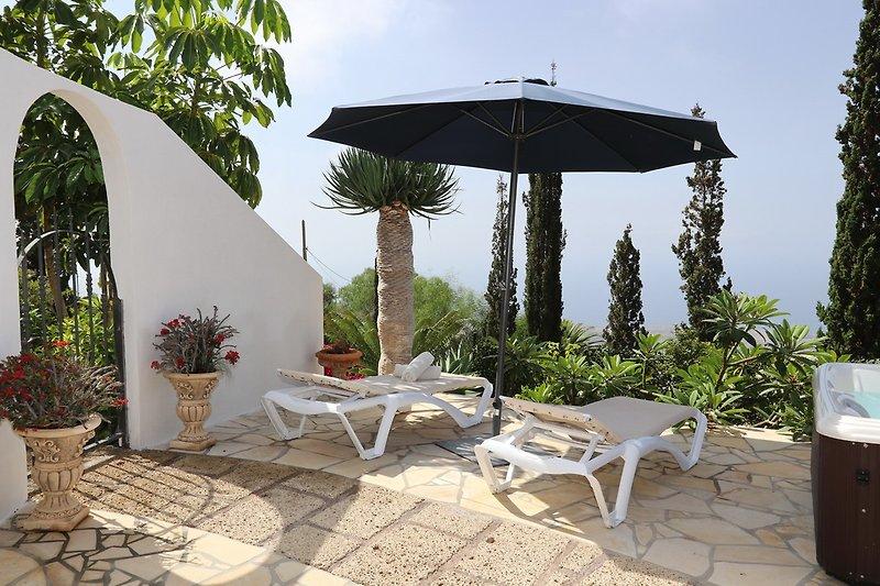 Casa Demio für 2 Personen mit Whirlpool und Meerblick