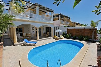 Adeje holiday home on the golf course with pool for 4 persons