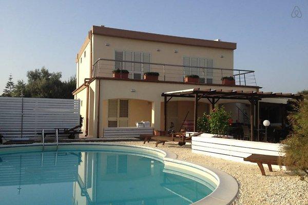 Villa Salvo à Fanusa - Image 1