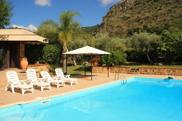 Villa Avalon in Acquedolci - Bild 1