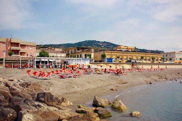 Casa Acquamarina befindet sich links im Bild