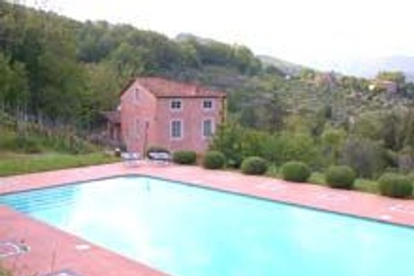 THE PINK VILLA   in Lucca - immagine 1